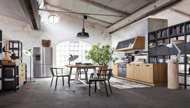 Calore del mobile con le cucine in legno massello di for Fiera del mobile bergamo 2016